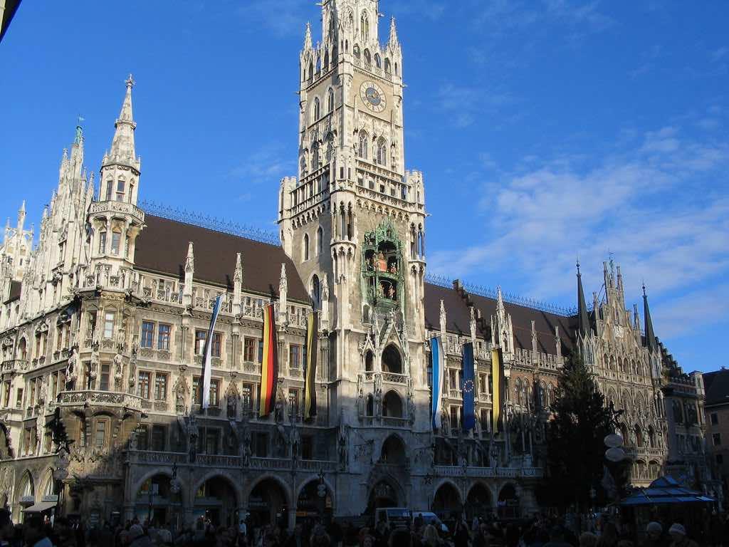 Munich Glockenspiel, Munich, Germany by Allen Brewer /Flickr