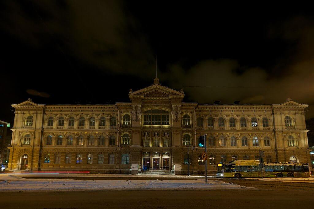 Ateneum Art Museum, Helsinki - by islandjoe