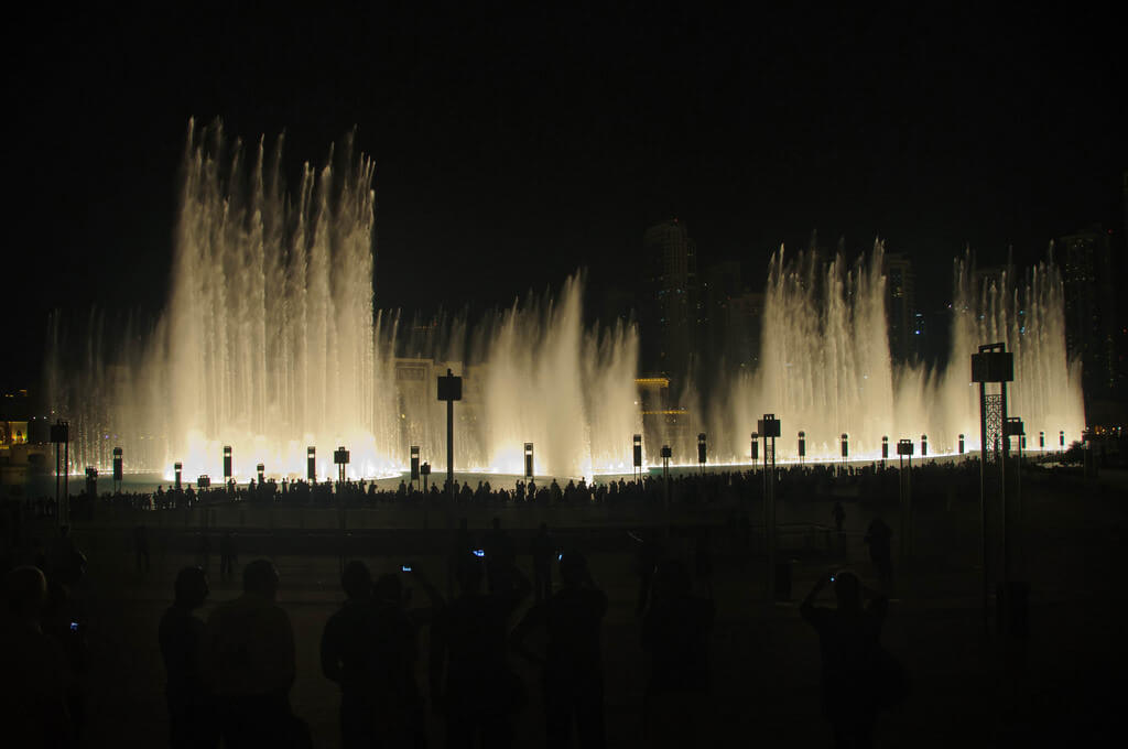 Dubai Fountain - by Ole Bendik Kvisberg:FlickrDubai Fountains - by Ole Bendik Kvisberg:Flickr