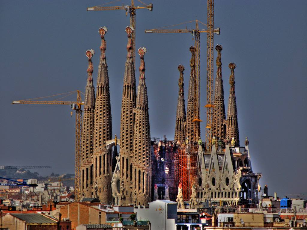 Sagrada Familia, Barcelona - by Ramon Llorensi:Flickr