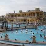 Széchenyi Bath, Budapest - by karaian:Flickr