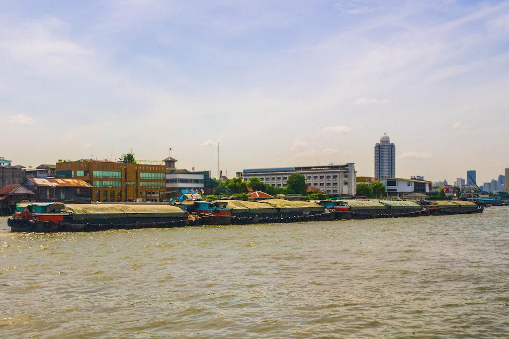 Chao Phraya River, Bangkok - by Thangaraj Kumaravel:Flickr