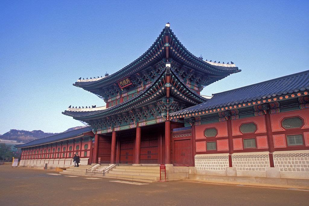Gyeongbok Palace, Seoul - by LASZLO ILYES:Flickr