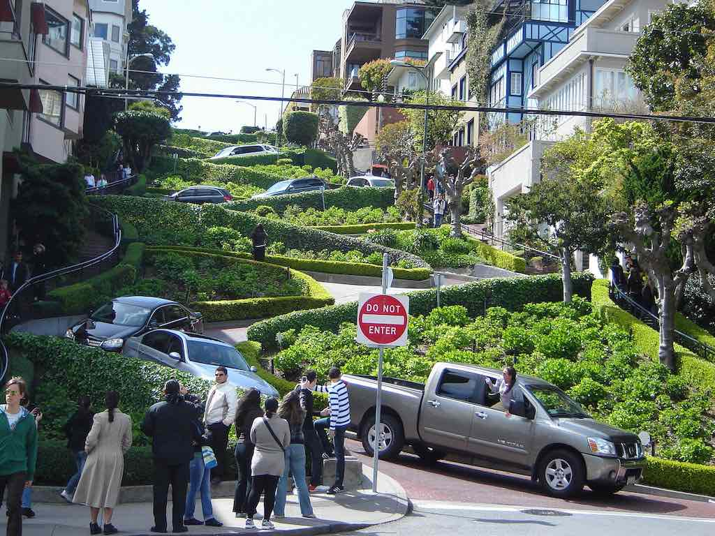Lombard Street, San Francisco - by Brenly Harrison:Flickr
