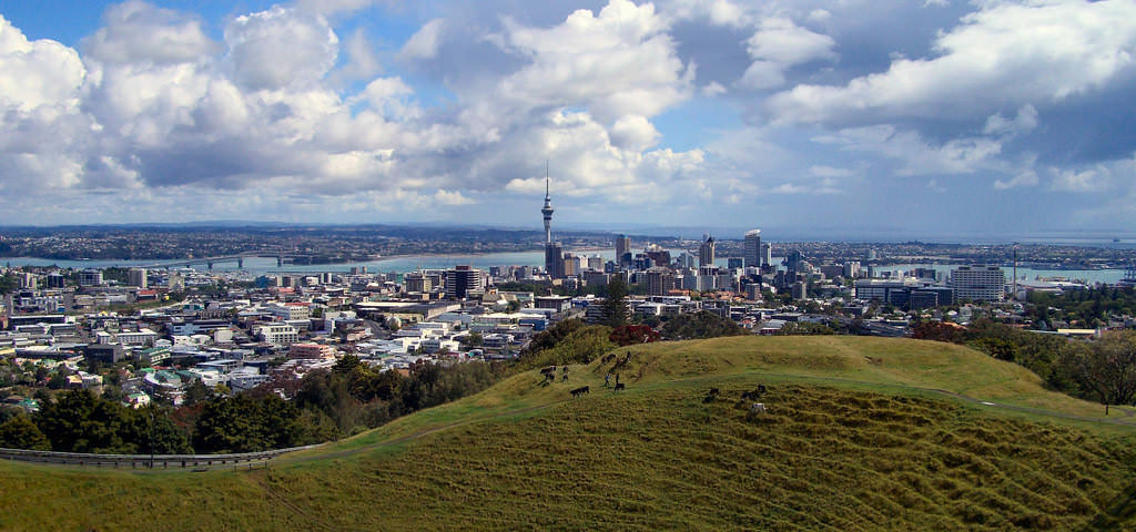 Mount Eden, Auckland - by Tim Sheerman-Chase:Flickr