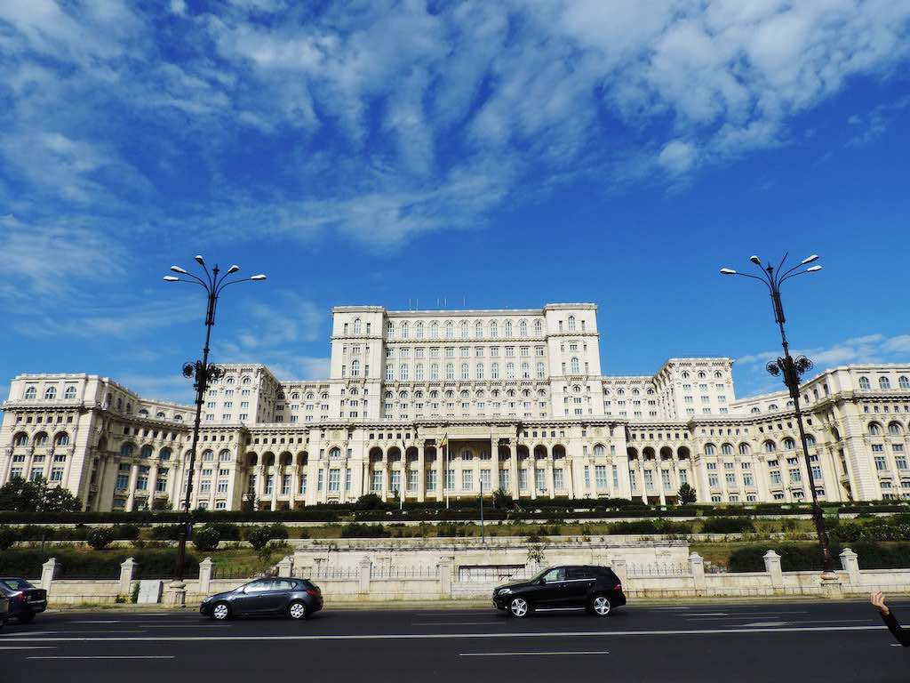 Palace of Parliament, Bucharest - by Leon Yaakov:Flickr
