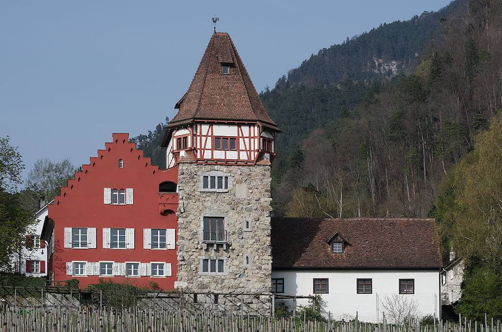 Red House, Vaduz - by Clément Bucco-Lecha::Wikimedia
