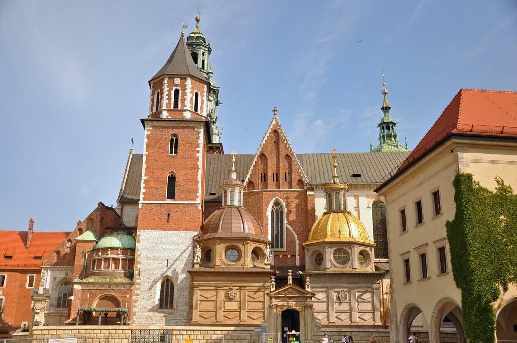 Wawel Cathedral, Krakow - by Jennifer Boyer - Anosmia:Flickr