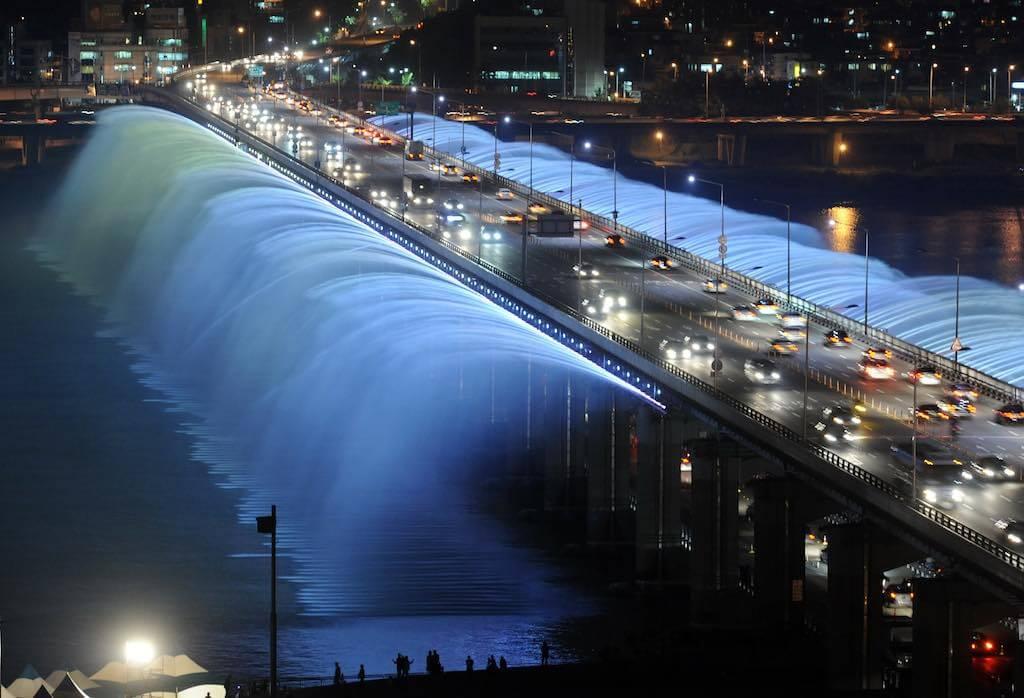 Moonlight Rainbow Fountain, Seoul