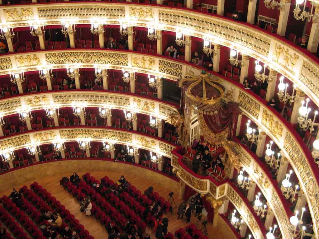 Teatro di San Carlo, Naples - by IlSistemone:Wikimedia