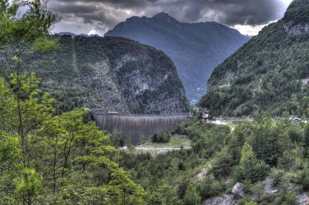 Vajont Dam, Vajont River, Italy - by Nadia Clabassi - n@89go:Flickr