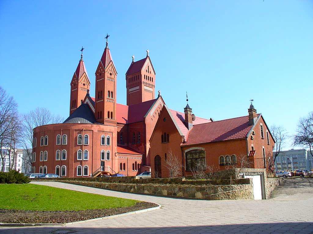 Church of Saints Simon and Helena, Minsk - by Hanna Zelenko:Wikimedia
