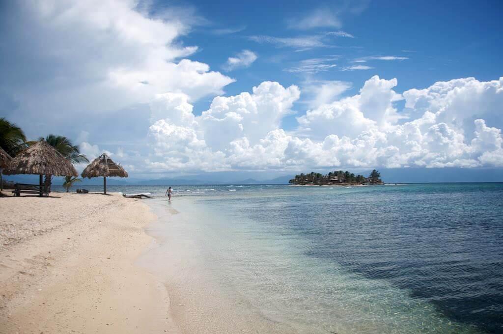 Cayos Cochinos, Honduras - by Oisin Prendiville - prendio2:Flickr