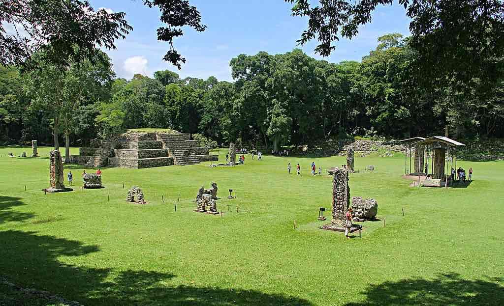 Copán Ruinas, Honduras - by Talk2winik:Wikimedia