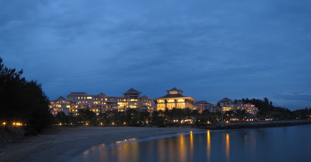 Empire Hotel & Country Club, Brunei - by henrykkcheung:Flickr