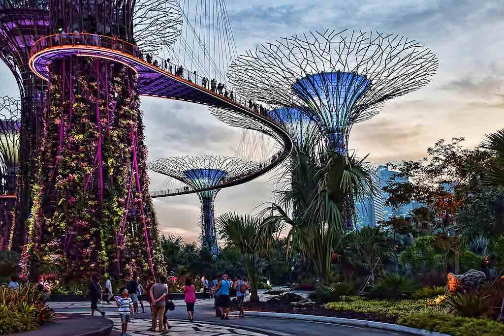OCBC Skyway, Supertree Grove, Singapore - by Choo Yut Shing - chooyutshing:Flickr