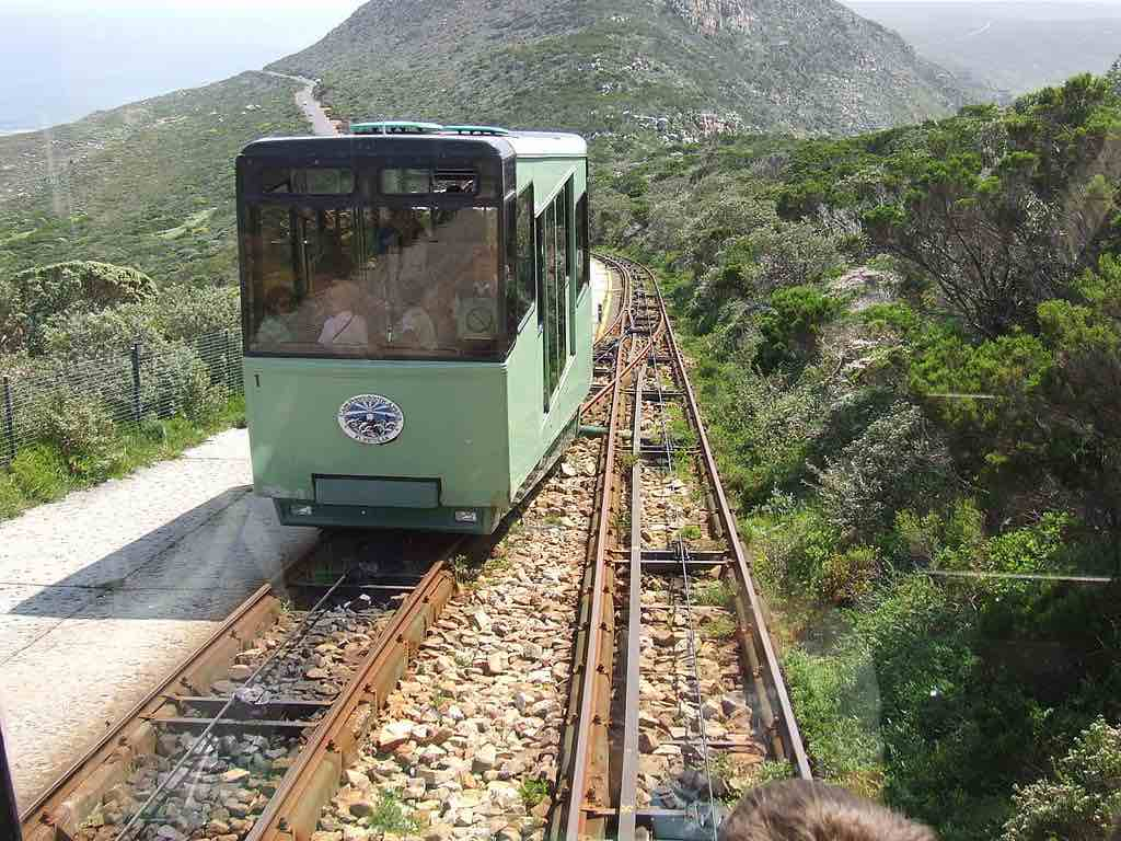 Flying Dutchman Funicular, Cape Town, South Africa - by David Graham:Wikimedia