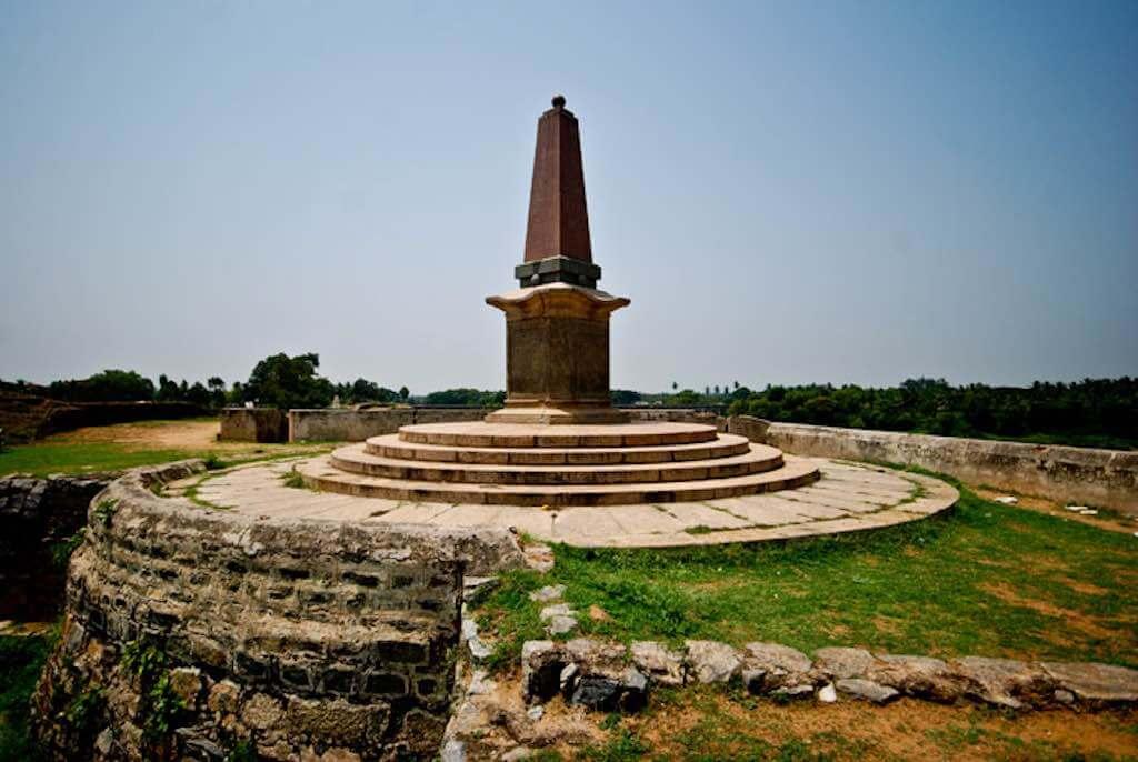 Obelisk of Srirangapatna, Karnataka, India - by pee vee - peevee@ds