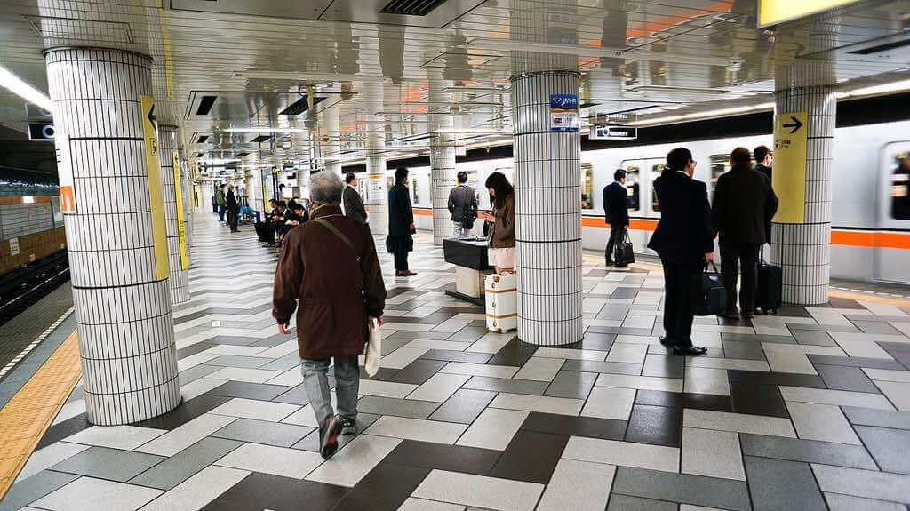 Tokyo Metro - by Antonio Tajuelo :Flickr