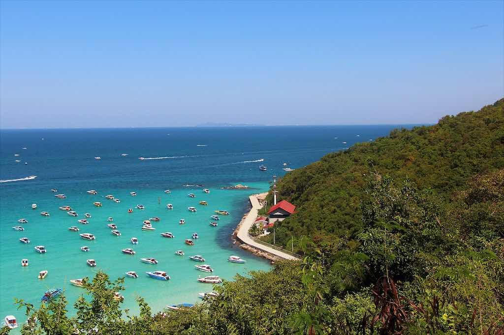 Koh Larn Coral Island, Pattaya - by stijnooievaar:Pixabay.com
