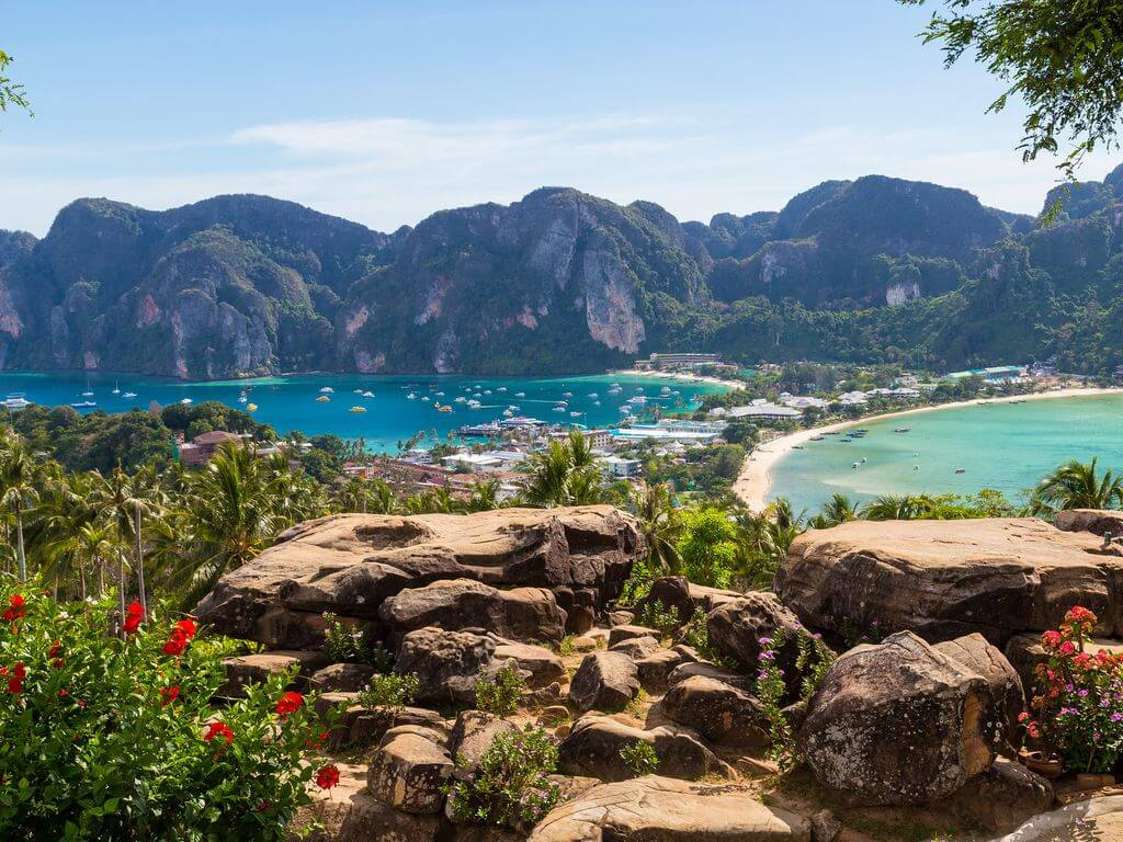 Phi Phi View Point, Ko Phi Phi by Mike Clegg / Flickr.com