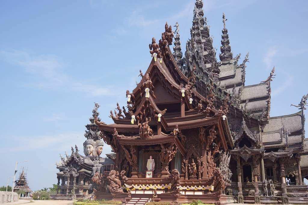 Sanctuary Of Truth, Pattaya - by babyzombie : pixabay.com