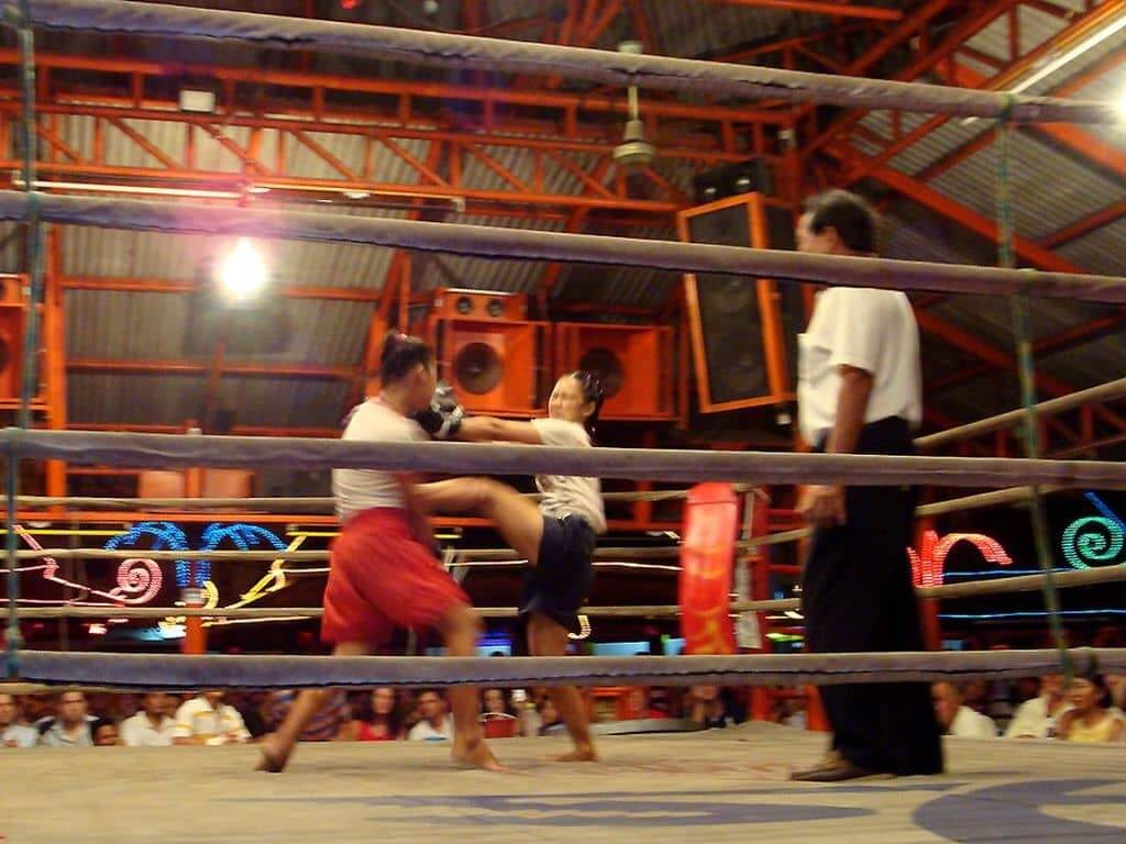 Muay Thai in Samui by Per Meistrup / Wikimedia Commons