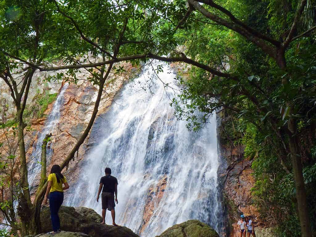 Na Muang Waterfall, Koh Samui by John6536 / Flickr.com
