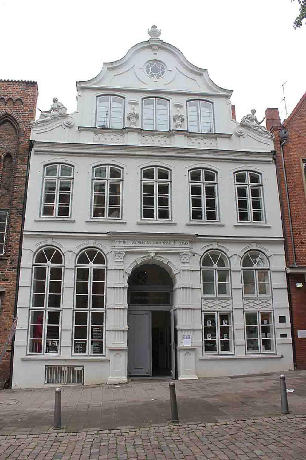 Buddenbrook House by Andrzej Otrębski, Wikimedia.org