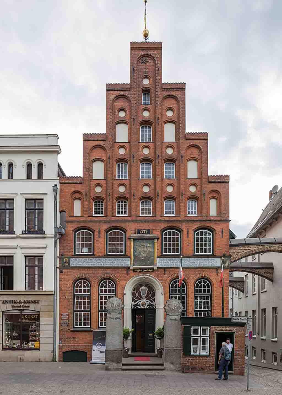 Haus der Schiffergesellschaft by JoachimKohlerBremen, Wikimedia.org