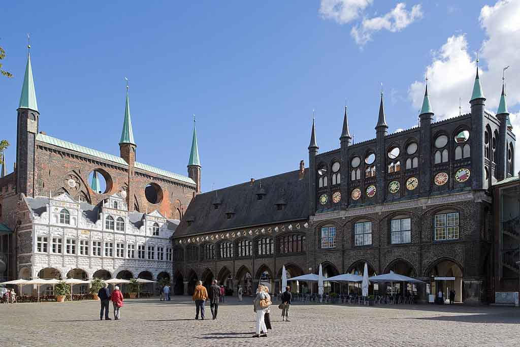Luebeck-Rathaus by Mylius, Wikimedia.org