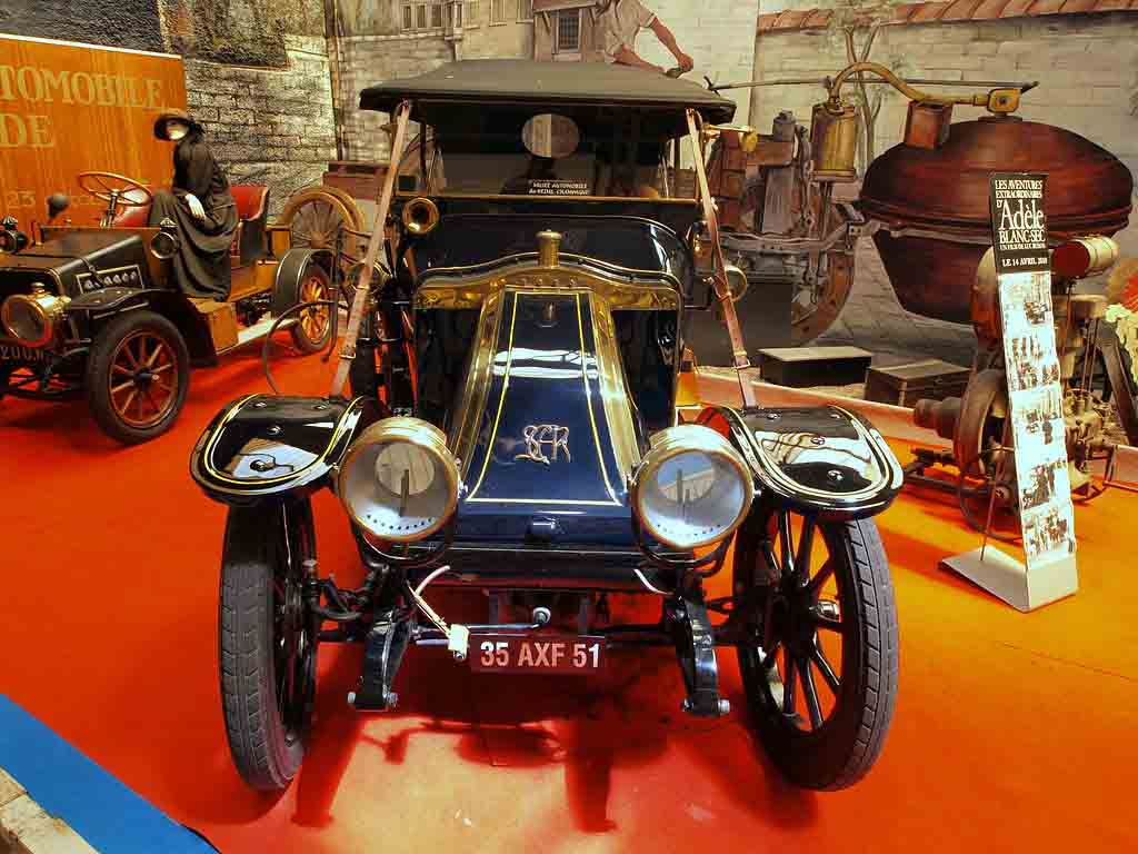 Musée Automobile Reims Champagne by Alfvan Beem, Wikimedia.org