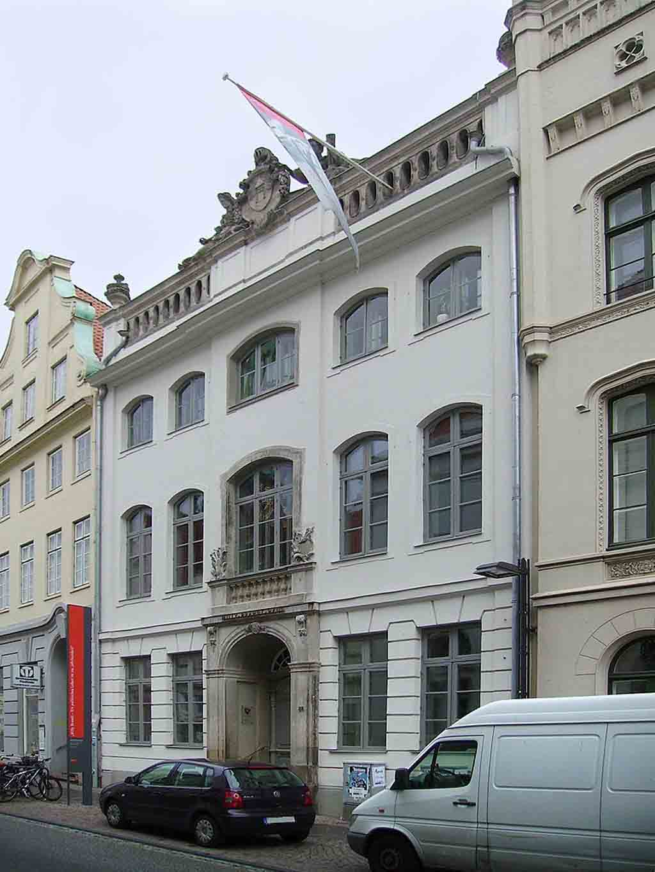 Willy Brandt Haus Luebeck by Garitzko, Wikimedia.org