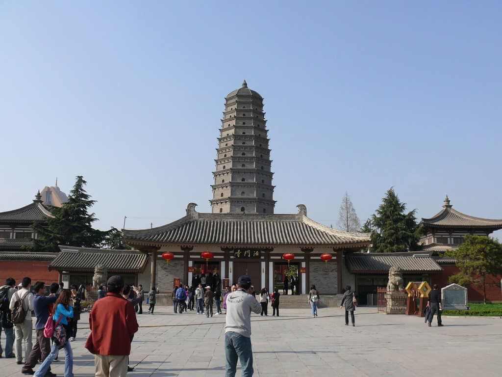 Famen Temple -by Peter Potrowl/Wikimedia.org