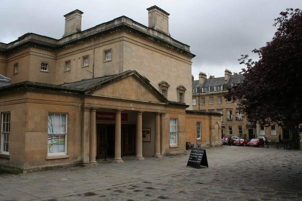 Fashion Museum, Bath, England - by Mark Anderson / wikimediacommons.com