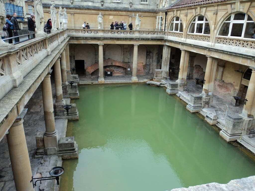 Roman Baths, Bath, England - by Loseitlady / pixabay.com