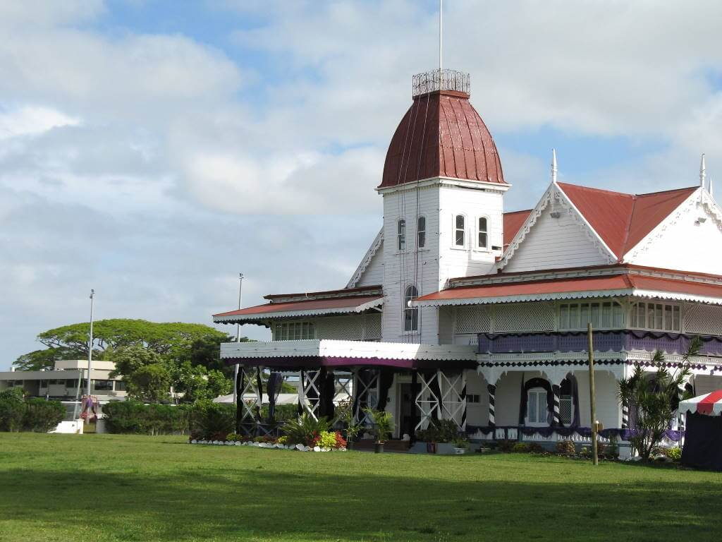 Royal Palace, Tonga - by Antoine Hubert / flickr.com