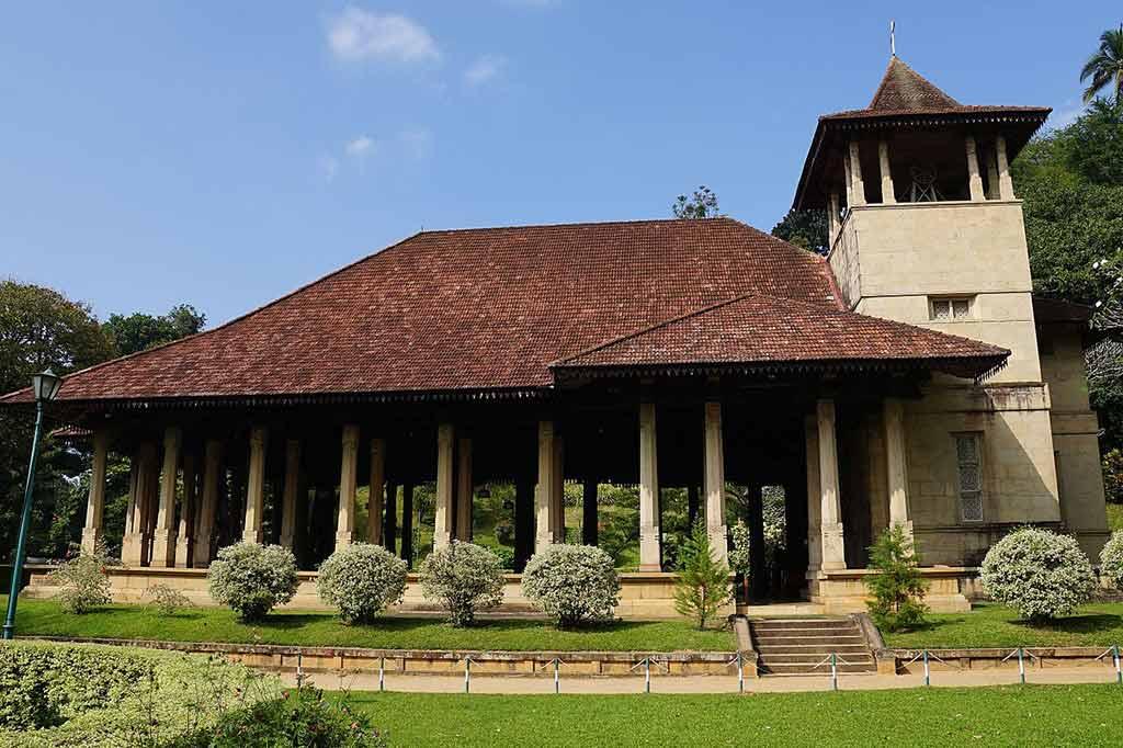 Trinity College Chapel, Kandy - by Dan arndt / Wikimedia Commons