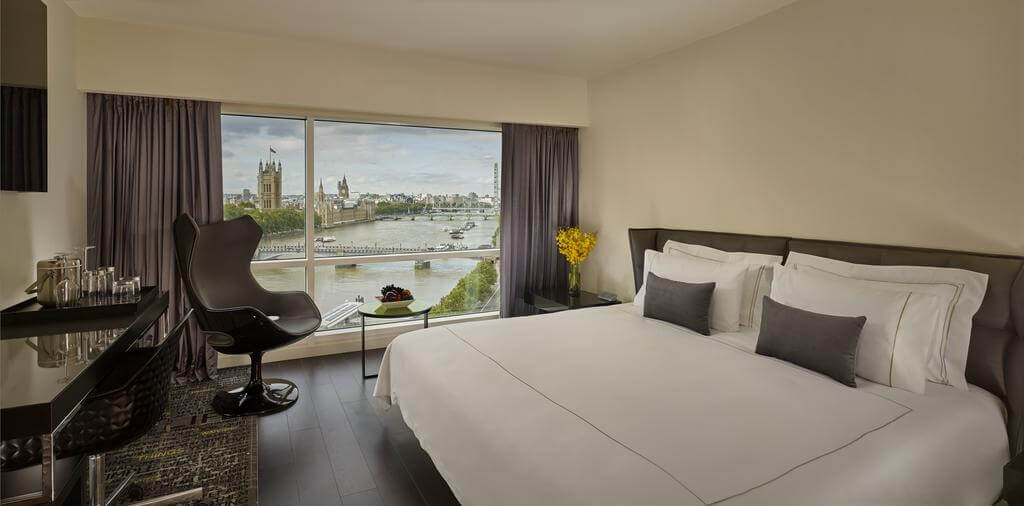 View of the Thames from Double Room, Park Plaza London Riverbank - by Park Plaza - Booking.com