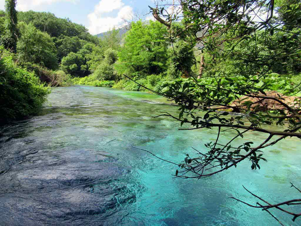 The Amazing Blue Eye Spring, Albania - by David Stanley / Flickr.com