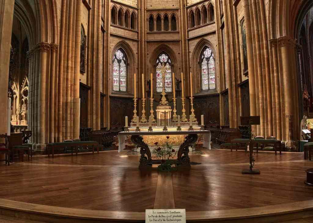 Cathedral Saint Benigne -by PATRICK BLEHAUT/Flickr.com