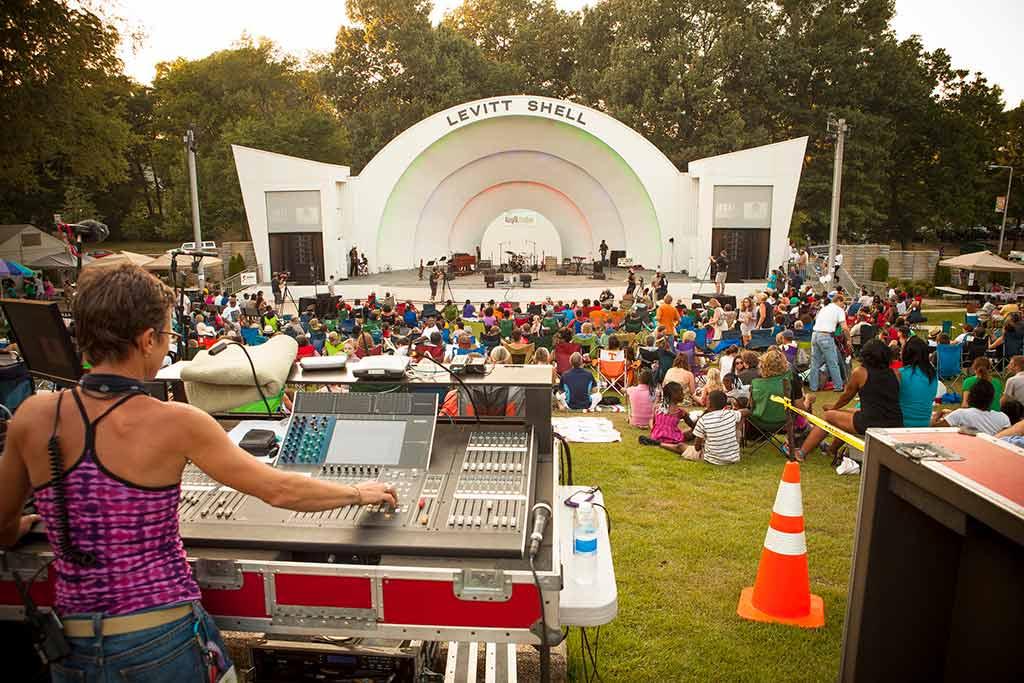 Levitt Shell in Overton Park, Memphis - by Sean Davis / Flickr.com