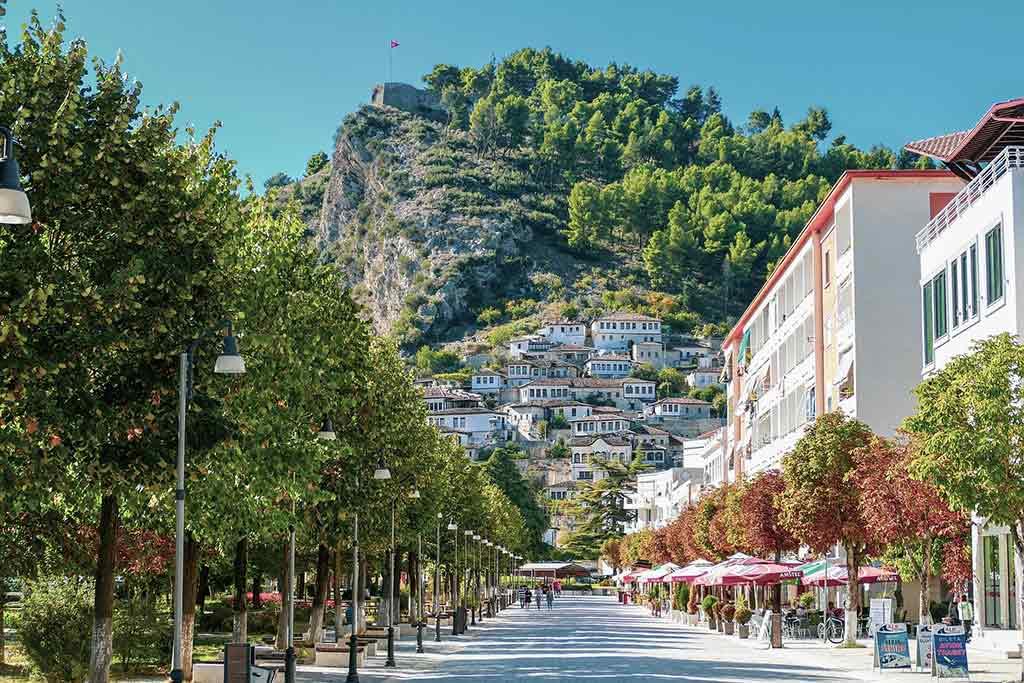 Mangalem Quarter in Berat, Albania - by Ervin Gjata / Pixabay.com