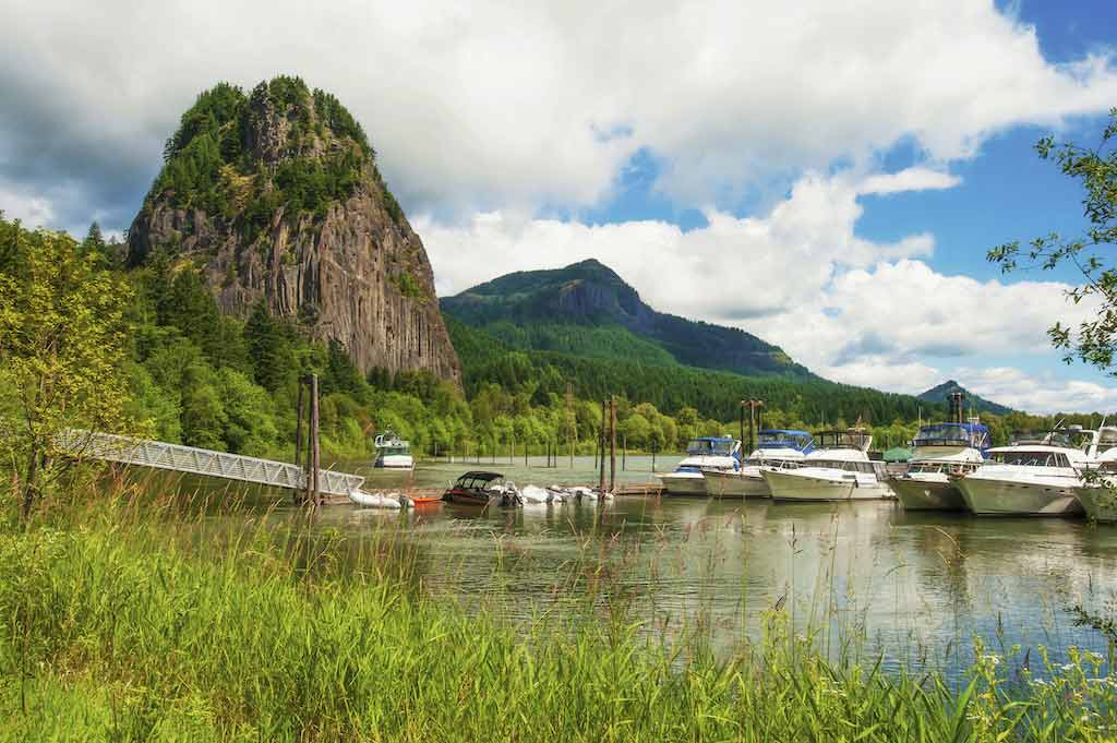 Beacon Rock State Park, Washington State - Shutterstock.com