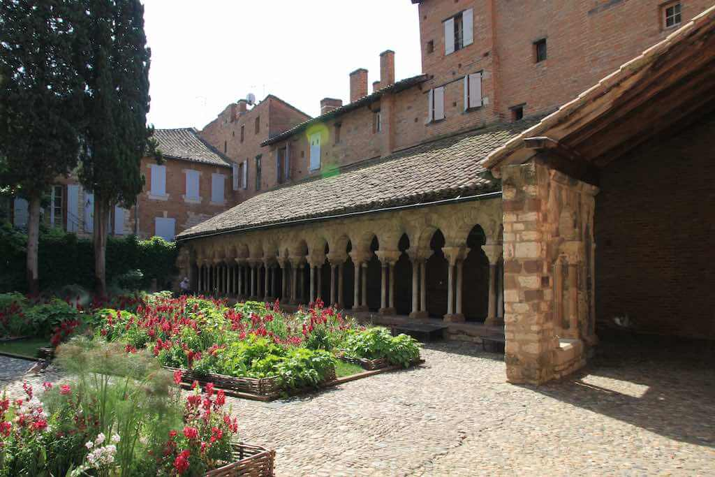 Cloister of the collegiale Saint-Salvi, Albi, France - by vouvraysan_shutterstock.com