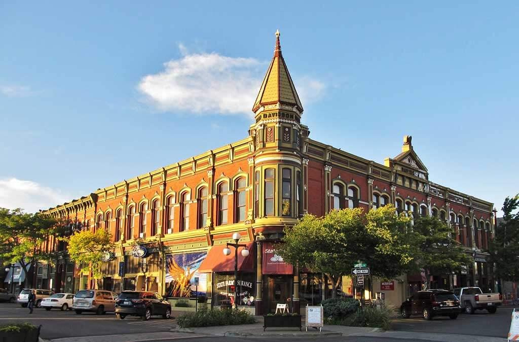 Davidson Building in Ellensburg, Washington State - by Jasperdo / Flickr.com