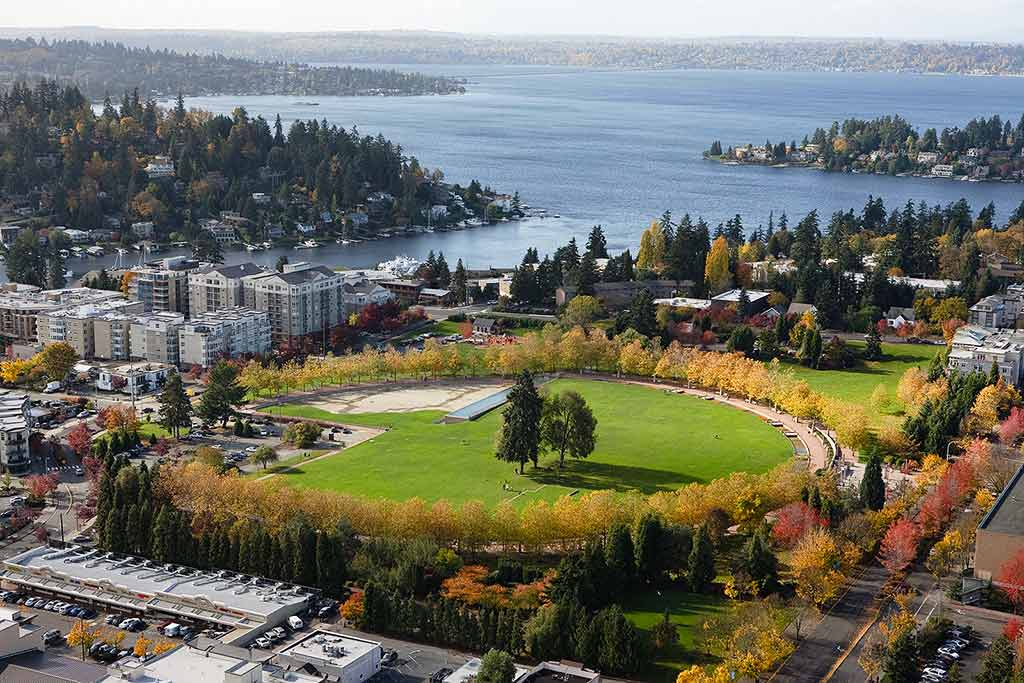 Downtown Park, Bellevue, Washington State - by Curt Smith / Flickr.com