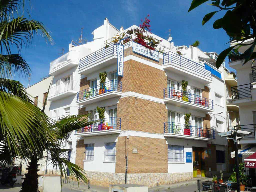 Hotel Alexandra offers gay accommodation in Sitges