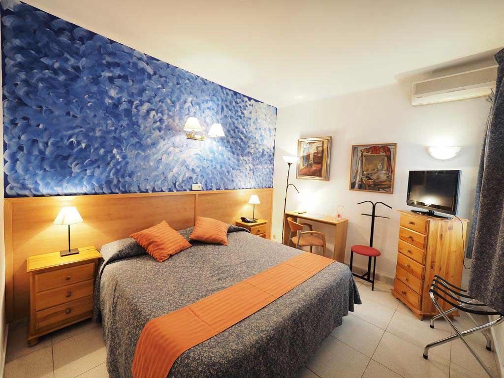 Hotel Montserrat, Sitges - by - Hotel Montserrat / Booking.com