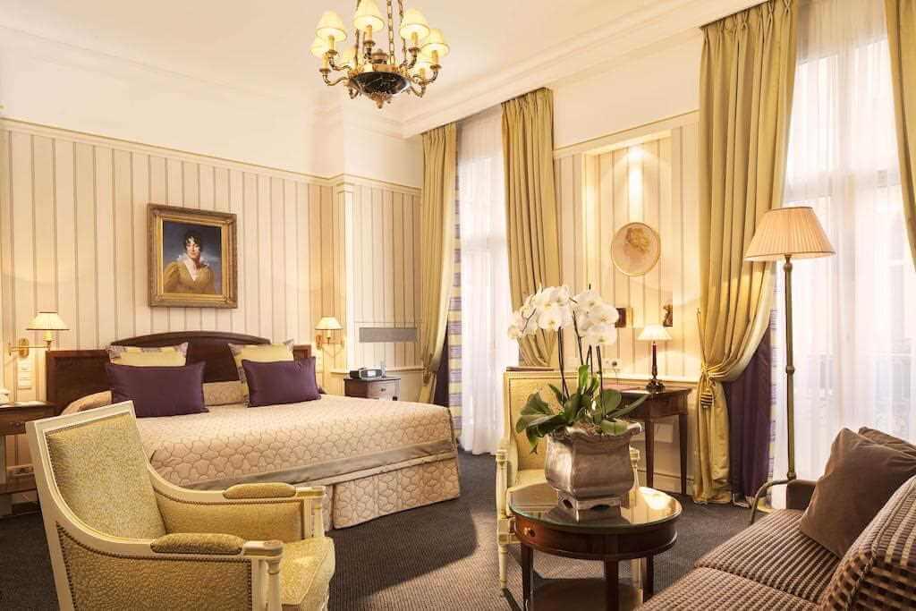 Hotel Napoleon Paris -by Hotel Napoleon/Booking.com
